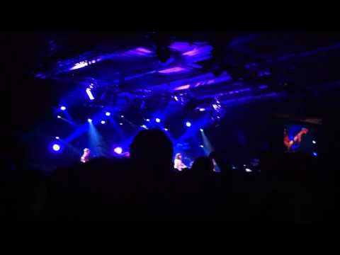 New funky live version of 'Settle down' Kimbra Montreux Jazz festival 2012