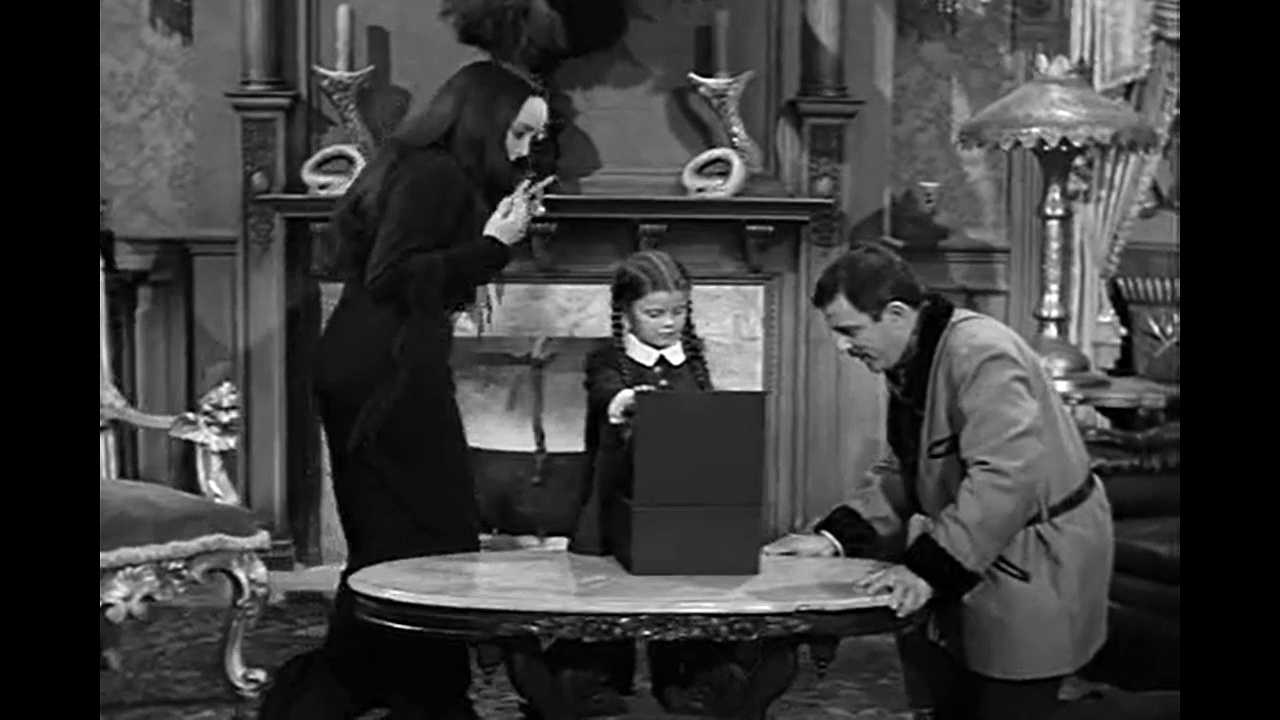 The Addams Family S01e3 Fester's Punctured Romance